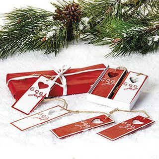 God Jul wooden gift tag with string